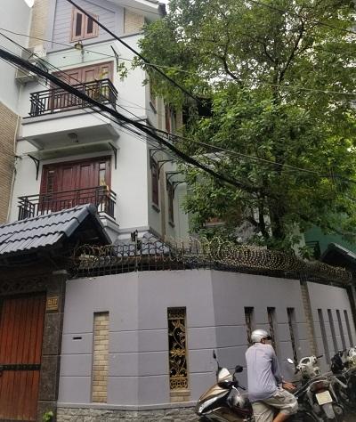 Cho thuê biệt thự 2 mặt tiền đường Trường Sơn Quận Tân Bình