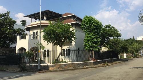 Cho thuê biệt thự 2 mặt tiền khu Compound ven sông đường Nguyễn Văn Hưởng 500m2