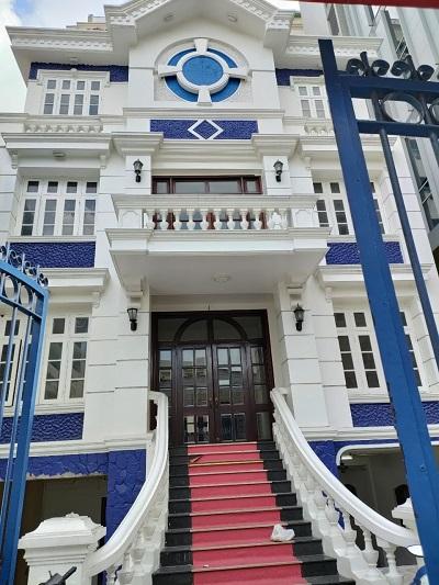 Cho thuê biệt thự đường Phan Đình Giót diện tích 13x23m 1 hầm 3 lầu