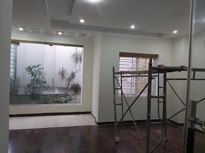 Cho thuê biệt thự đường Sông Thao quận Tân Bình đang sửa mới