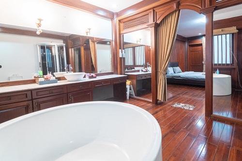 Cho thuê biệt thự siêu đẹp có nội thất hồ bơi đường Nguyễn Văn Hưởng Thảo Điền Quận 2