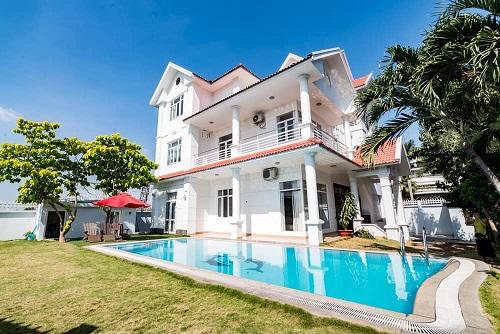 Cho thuê biệt thự siêu đẹp quận 2 diện tích đất 550m2 hồ bơi sân vườn