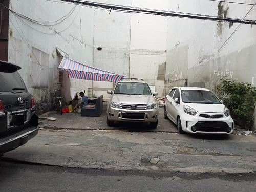 Cho thuê đất mặt tiền đường Hoa Cúc Phú Nhuận  8x18m