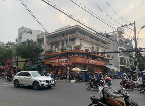 Cho thuê nhà 2 mặt tiền đường Nguyễn Gia Trí D2 cũ vị trí cực đẹp