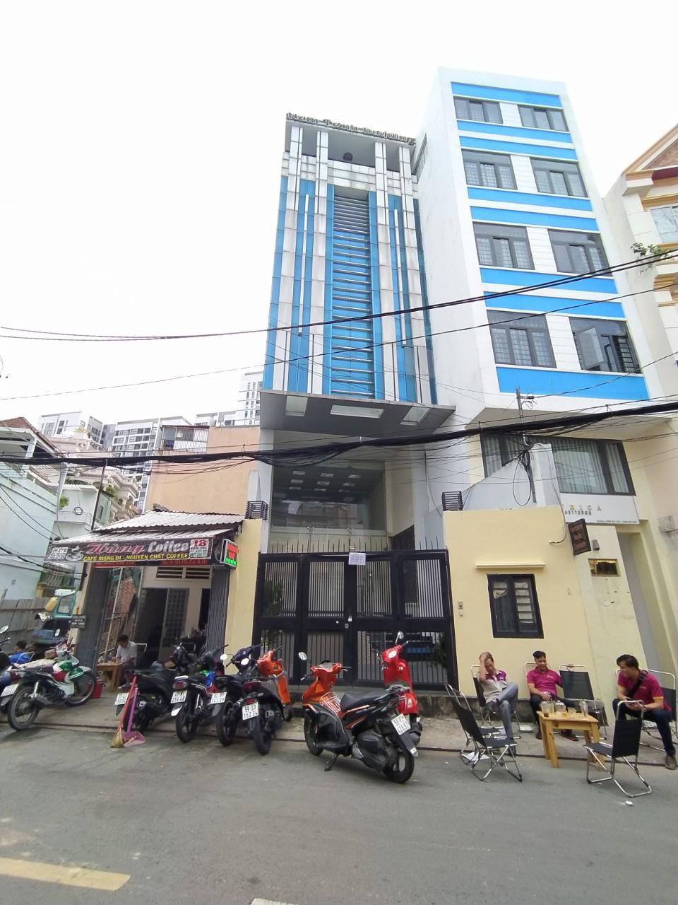 Cho thuê nhà đường Yên Thế Phường 2 Quận Tân Bình có thang máy