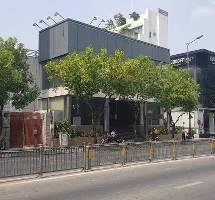 Cho thuê nhà mặt tiền đường Nguyễn Văn Trỗi Phú Nhuận diện tích 20x30m 1 trệt 2 lầu