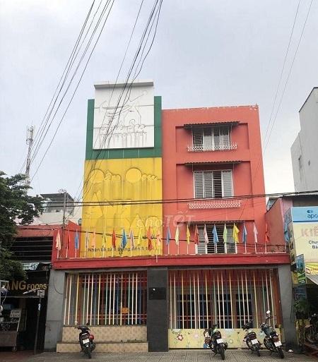 Căn nhà 10x25m2 tại đường Trường Sơn Quận 10 giá 220tr/tháng