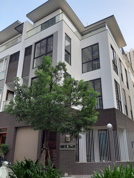 Cho thuê nhà mặt tiền nguyên căn khu Hà Đô Centrosa quận 10
