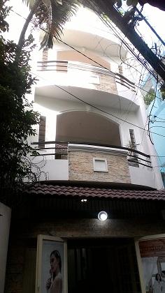 Cho thuê nhà nguyên căn đường Nguyễn Đình Chính quận PHú Nhuận