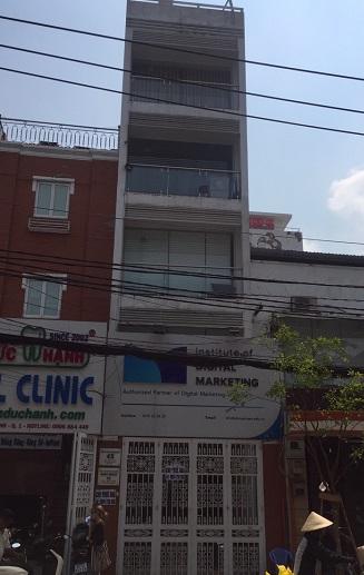 Cho thuê nhà nguyên căn mặt tiền đường Trần Nhật Duật, Quận 1