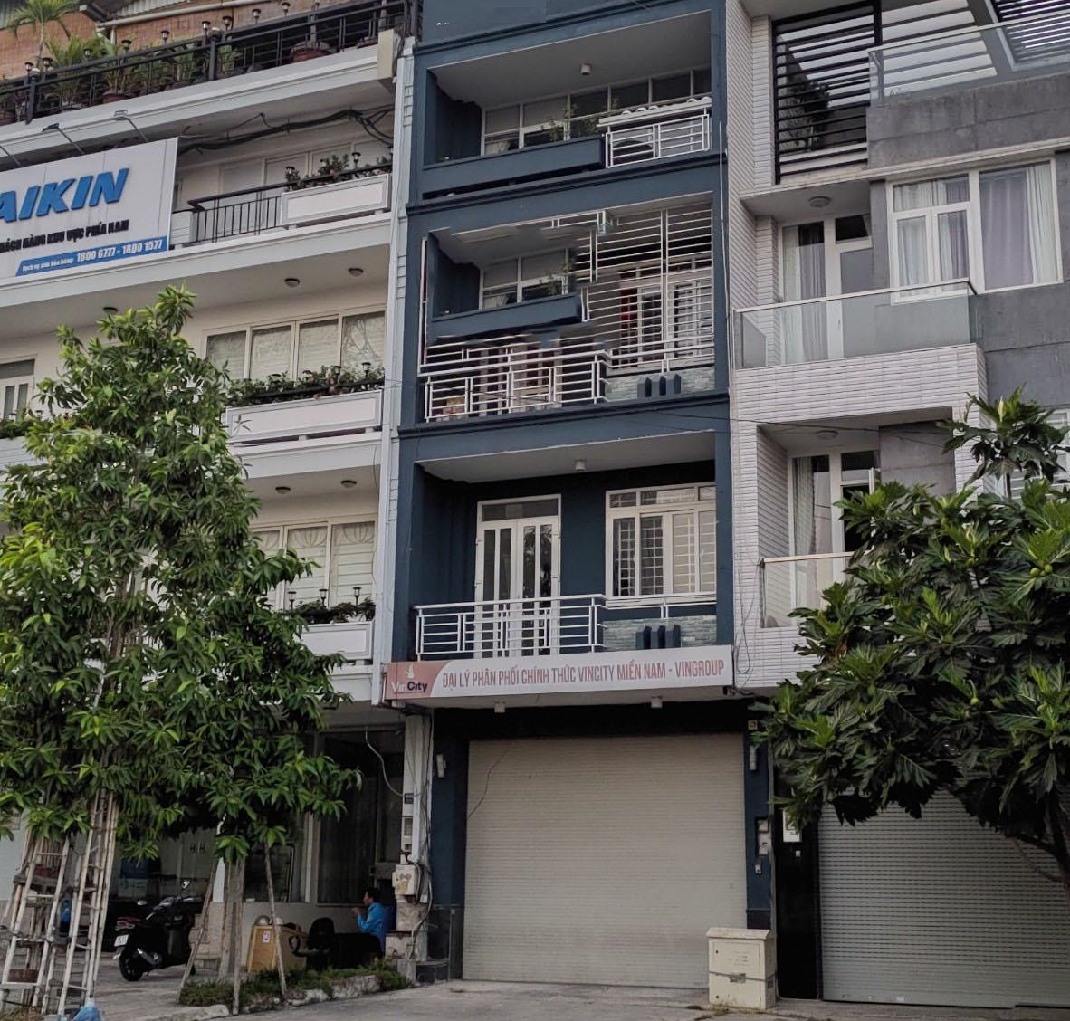 Cho thuê nhà nguyên căn mặt tiền đường Vũ Tông Phan quận 2
