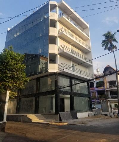 Cho thuê tòa nhà văn phòng 2 mặt tiền đường Nguyễn Huy Tưởng Quận Bình Thạnh
