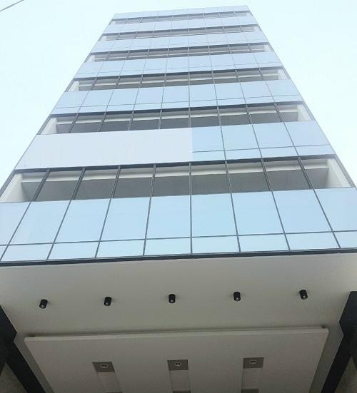 Cho thuê tòa nhà văn phòng mặt tiền khu sân bay quận Tân Bình